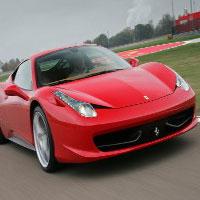 Guidare una Ferrari su pista