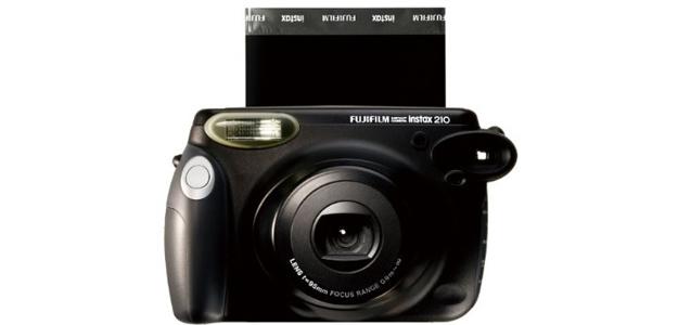 Fotocamera istantanea - idee regalo per fotografi