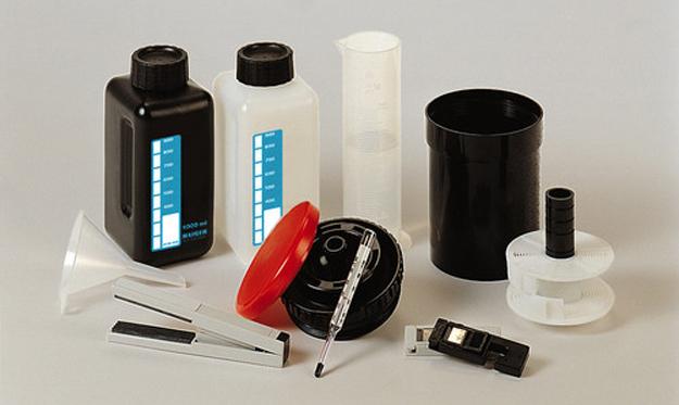 kit per lo sviluppo delle foto - idee regalo per appassionati di fotografia