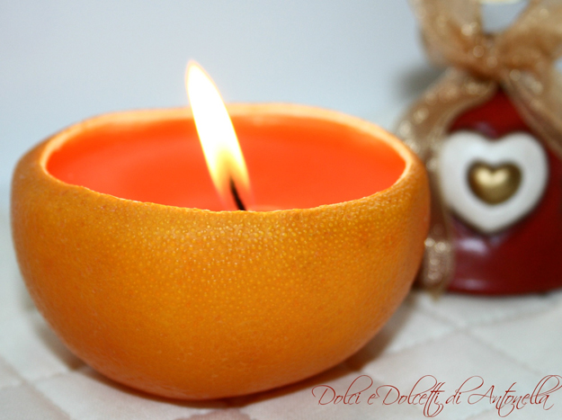 Candela nella buccia d'arancio