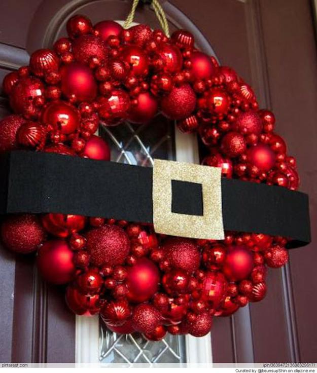 Ghirlanda con palline di Natale
