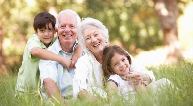 Idee Regalo Per Nonni Natale.Idee Regalo Per I Nonni Ecco Cosa Regalare Al Nonno E Alla