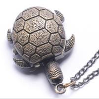 Collana vintage tartaruga con orologio