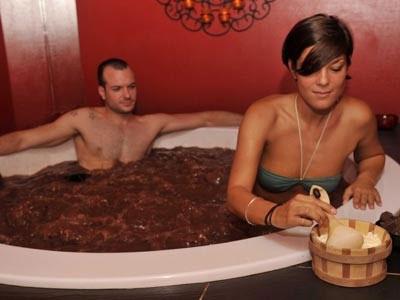 Maschera viso al cacao purificante illuminante naturale - Bagno di cioccolato ...