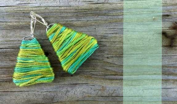 Orecchini con filo di lana e graffetta
