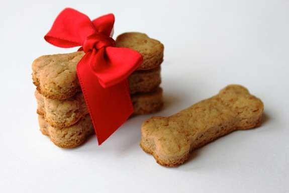 biscotti per il cane fatti a mano per Natale
