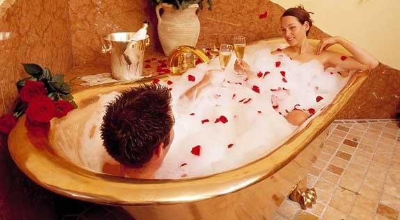 vasca da bagno bagno romantico sorprendere lui lei