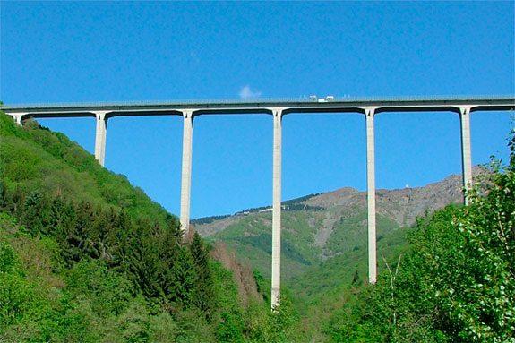 Ponte della Pistolesa - Veglio (biella) - bungee jumping