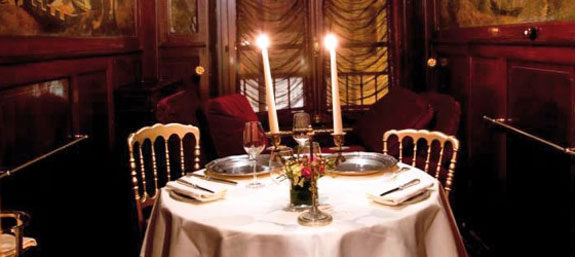 Come organizzare una cena romantica in casa - Cena romantica a casa ...