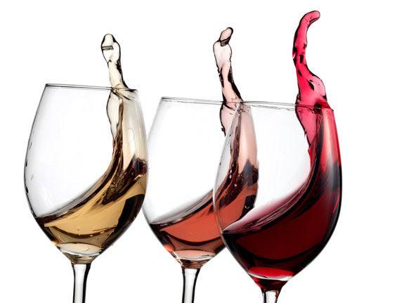 Come scegliere il vino per una cena romantica