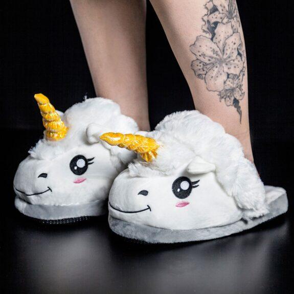 design senza tempo vari design allacciarsi dentro Pantofole Unicorno: la recensione