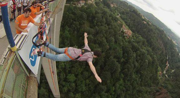 regalo amico adrenalina bungee jumping